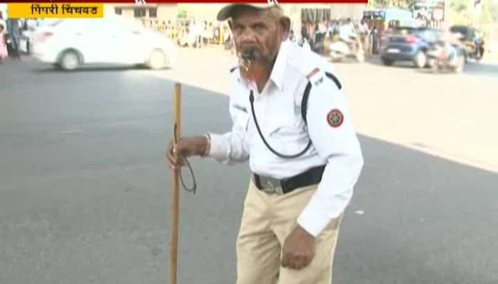 Old Man Babulal Pathan Who Control Traffic Without Any Payment